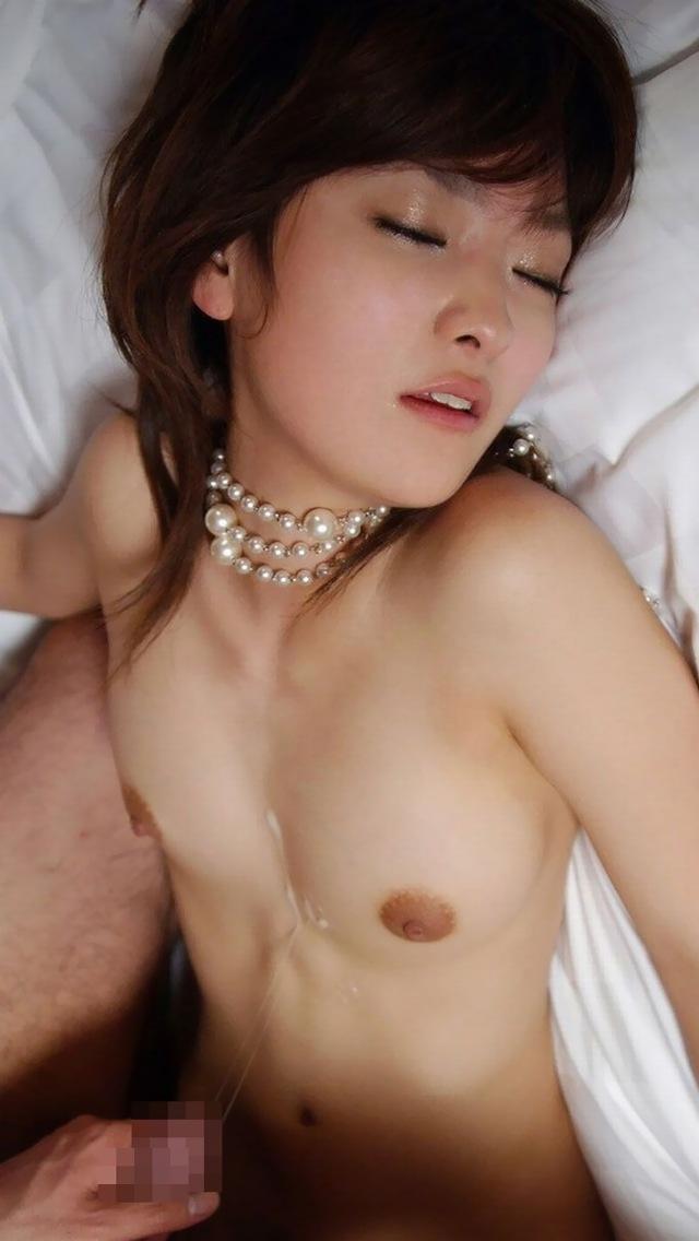 【射精エロ画像】女の子の体のあちらこちらに男の欲望の汁!セックス事後!? 25
