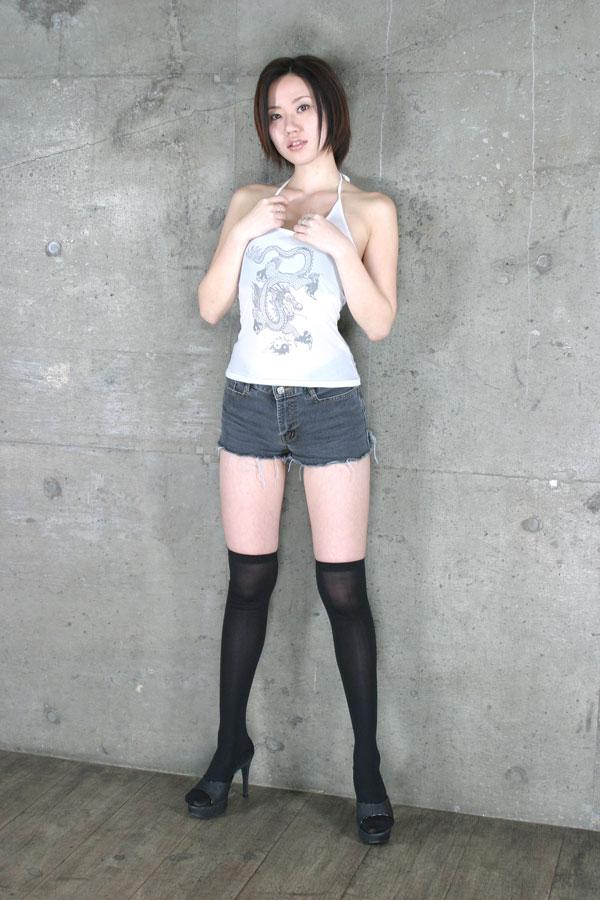 【ニーソックスエロ画像】太ももフェチにはたまらない!?ニーソックス履いた女! 02