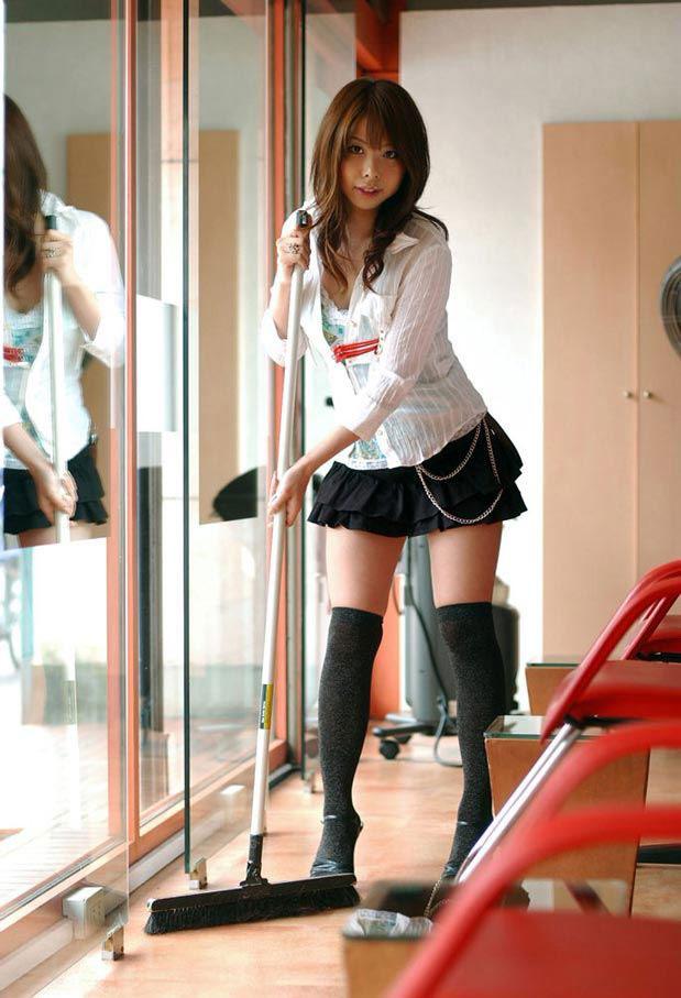 【ニーソックスエロ画像】太ももフェチにはたまらない!?ニーソックス履いた女! 07