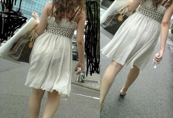 【着衣透けエロ画像】夏場の暑い時期によく見られる着衣の透けた素人女子!