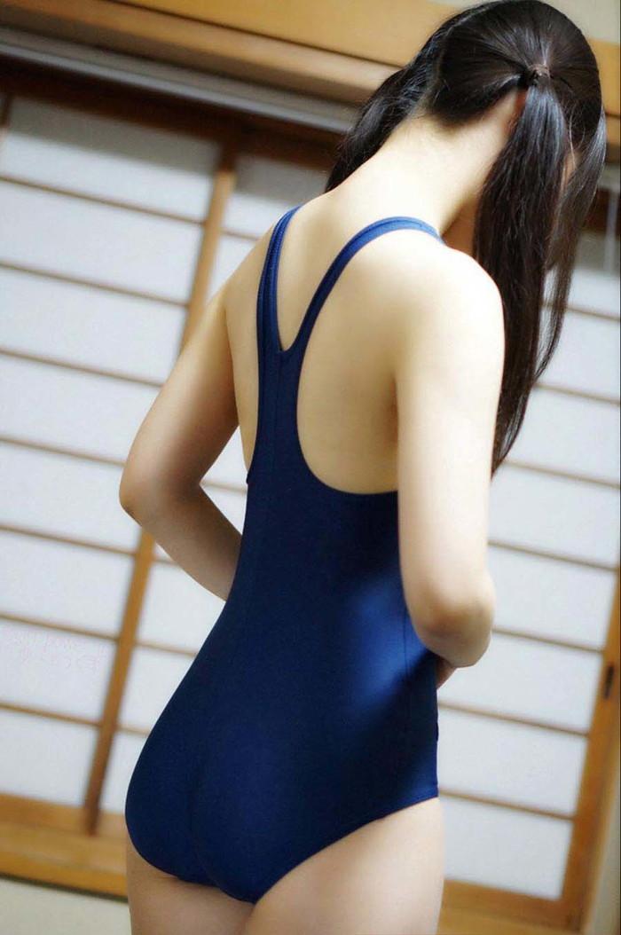 【スク水エロ画像】スク水マニア必見!?スクール水着の女の子達のエロ画像 04
