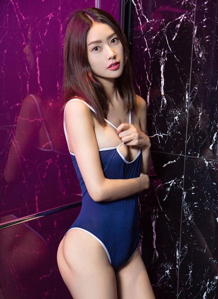 【スク水エロ画像】スク水マニア必見!?スクール水着の女の子達のエロ画像 12