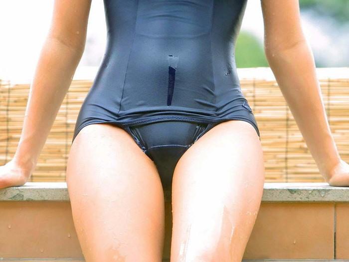 【スク水エロ画像】スク水マニア必見!?スクール水着の女の子達のエロ画像 25