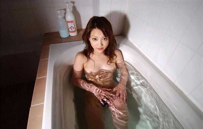 【入浴エロ画像】おまいら!お風呂で入浴中の女の子たちの画像集めてみたぞ!