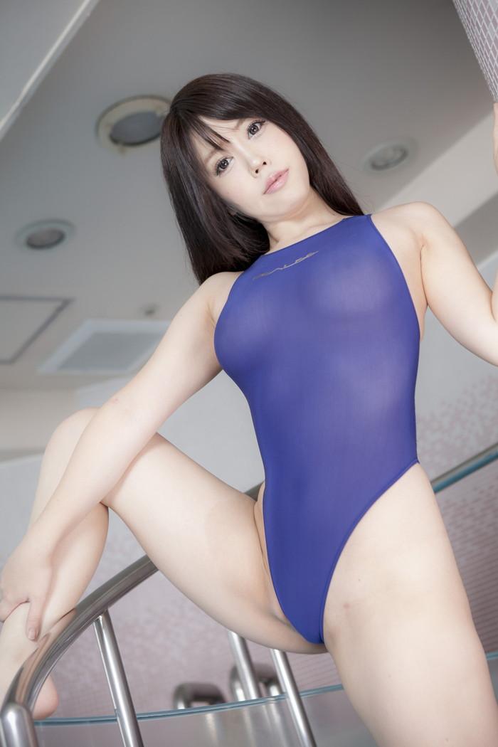 【競泳水着エロ画像】こんなにエロい水着が競泳用とは…これはマジで抜ける! 05