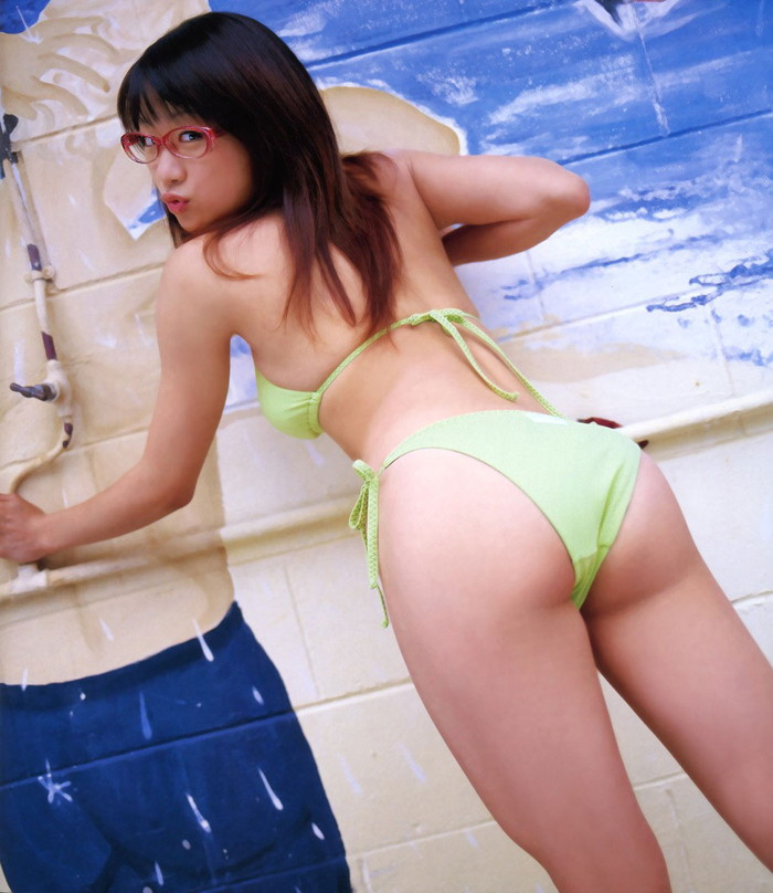 【ビキニエロ画像】ビキニと下着って大した差って無いんじゃ?ビキニ水着の女の子! 25