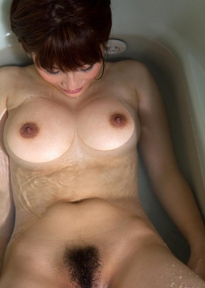 【入浴エロ画像】当然のことだけど入浴中の女の子って全裸なんだよなwwww 21