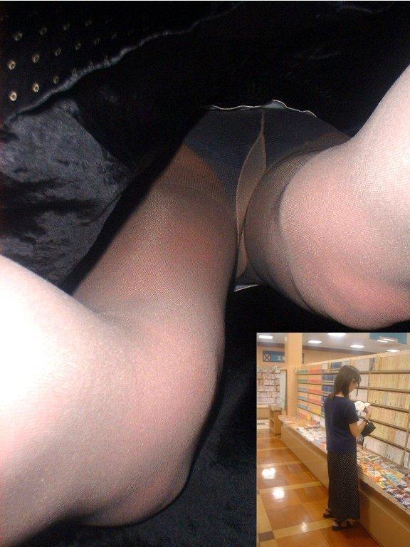 【逆さ撮りエロ画像】スカートの中身を直下の角度が盗み撮りしてみた結果www 02