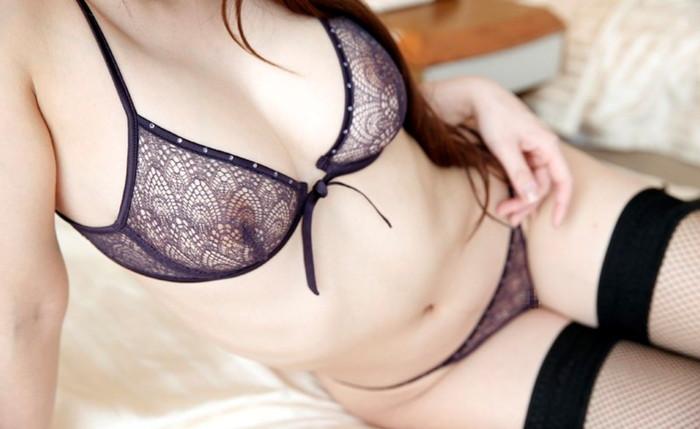 【透け下着エロ画像】スケスケの下着を身に着けた女の子ってセクシーすぎるだろ! 14