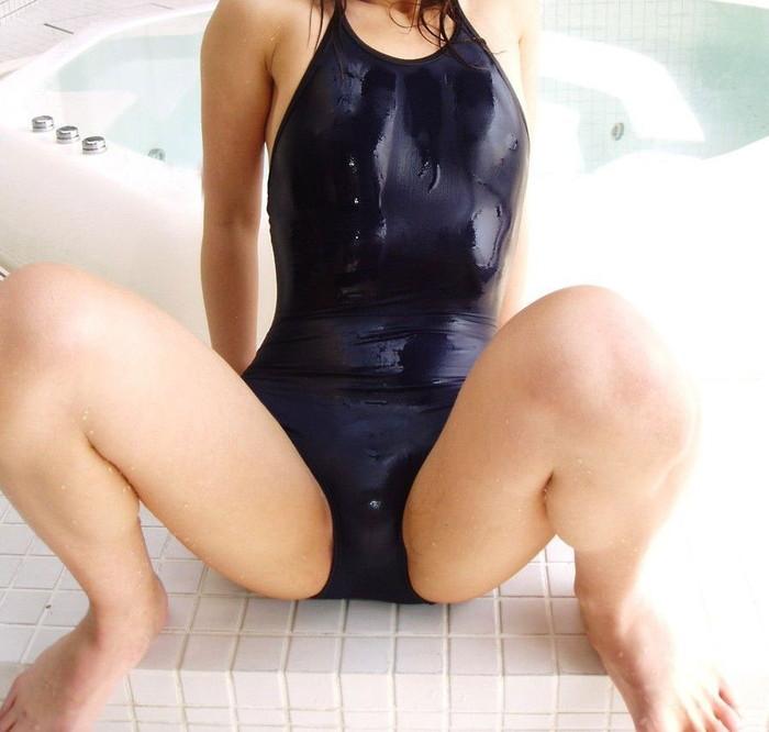 【スク水エロ画像】マニアックだけどどこかソソるスクール水着の女の子! 22