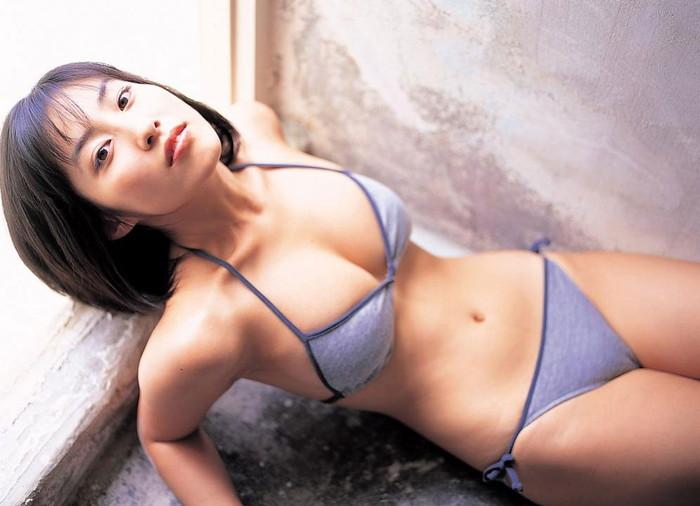 【マンスジエロ画像】女の子の股間に浮かび上がるタテスジに興奮度MAX!!! 26