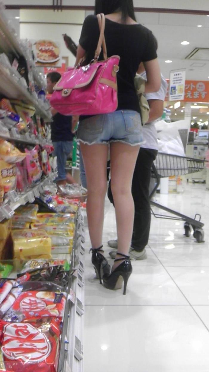 【美脚エロ画像】街中で美脚のおねーさん見つけたから撮ったったぜwww 10