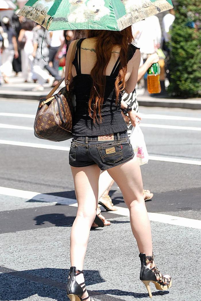 【美脚エロ画像】街中で美脚のおねーさん見つけたから撮ったったぜwww 16