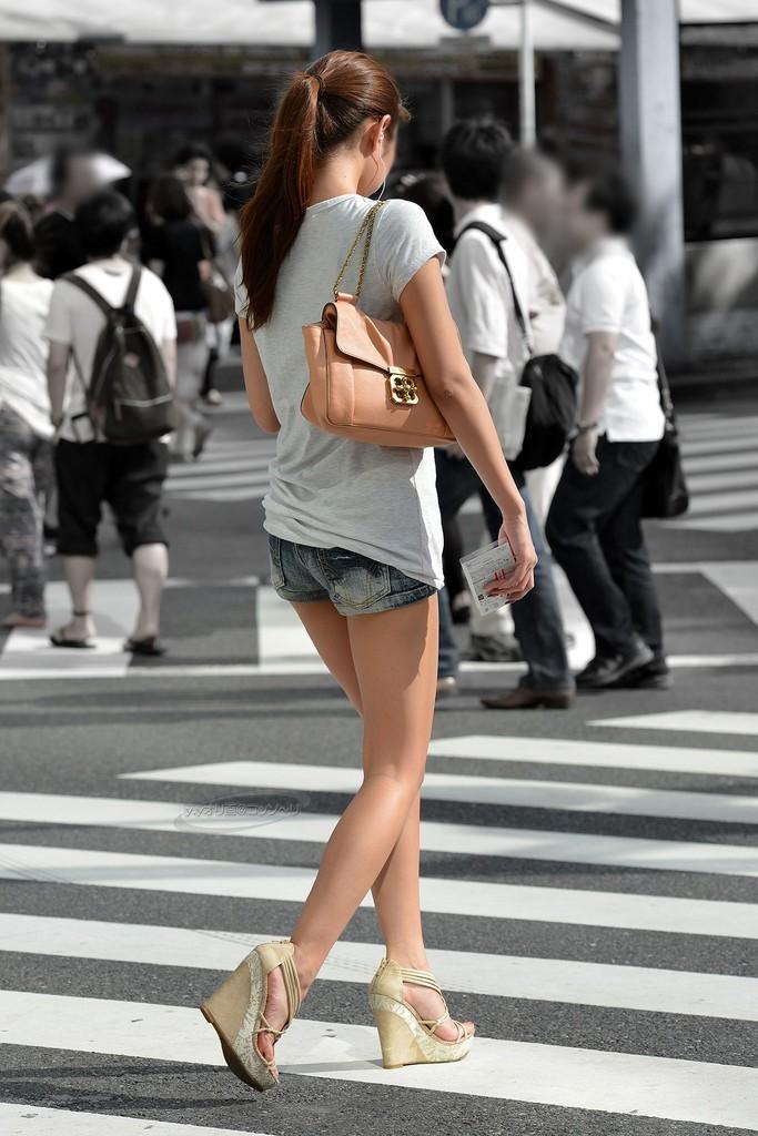 【美脚エロ画像】街中で美脚のおねーさん見つけたから撮ったったぜwww 17