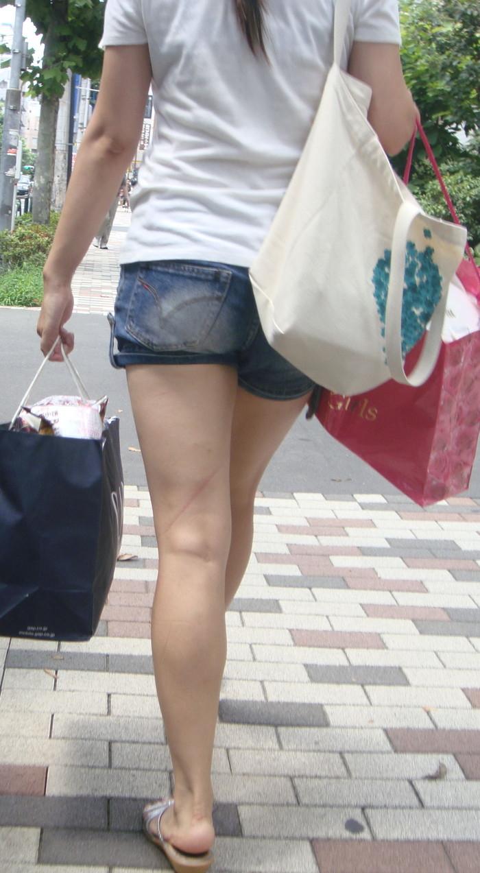 【美脚エロ画像】街中で美脚のおねーさん見つけたから撮ったったぜwww 23