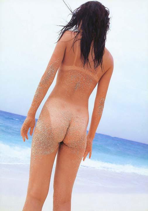 【日焼けエロ画像】日に焼けた肌と水着に隠れた部分のギャップに萌えッwww 10