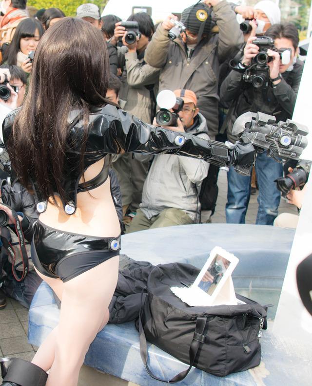 【コミケエロ画像】マジ!?今時のコスプレイヤーってこんな過激な格好で!?www 16