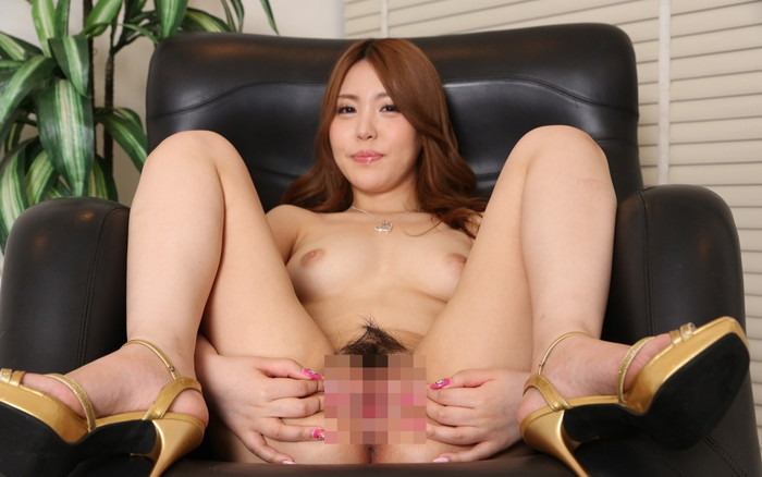 【オマンコくぱぁエロ画像】膣内を見せ付けるように広げられたおマンコから「くぱぁ」と音が聞こえそうw 20
