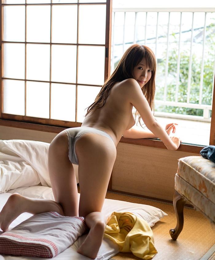 【フルバック下着エロ画像】お尻もすっぽり隠れたごくごくノーマルなパンツww 02