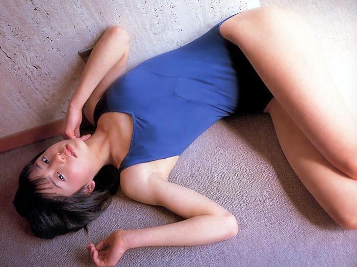 【スク水エロ画像】おまいら!スクール水着ってマニアックだけど、そこがいいんだろ!? 13