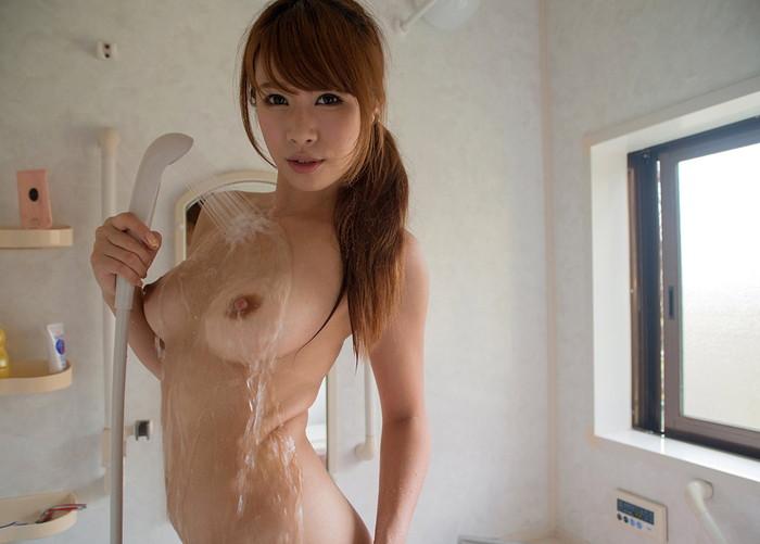 【シャワーエロ画像】滴る水になりたい!シャワー中の女の子の注目wwwww