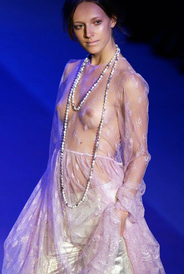 【ファッションショーエロ画像】朗報!世界のファッションショーはこんなにエロかったwww 02