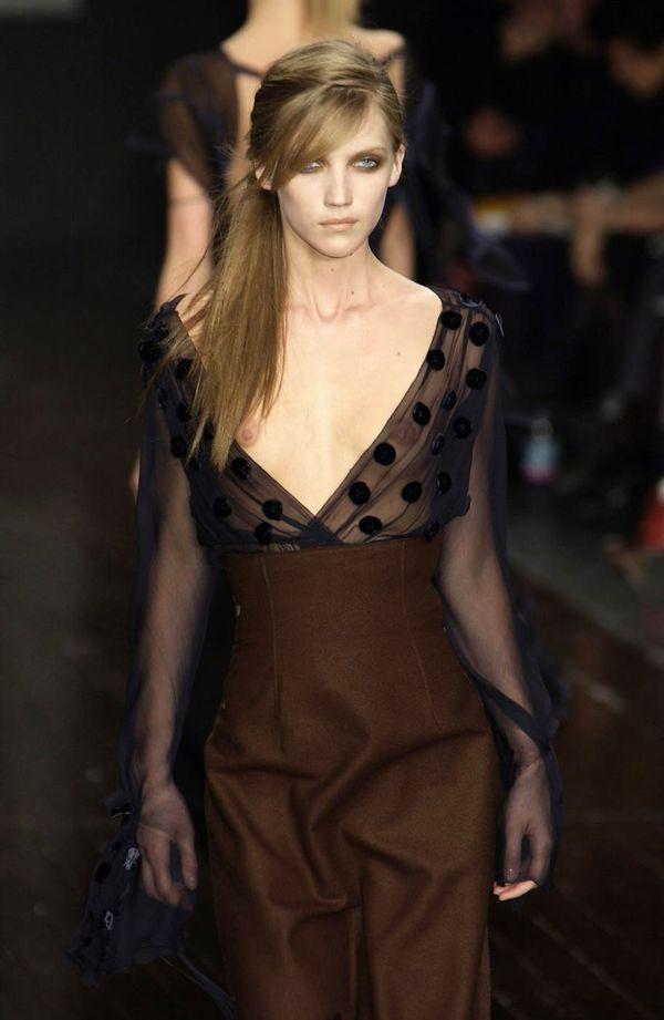 【ファッションショーエロ画像】朗報!世界のファッションショーはこんなにエロかったwww 16
