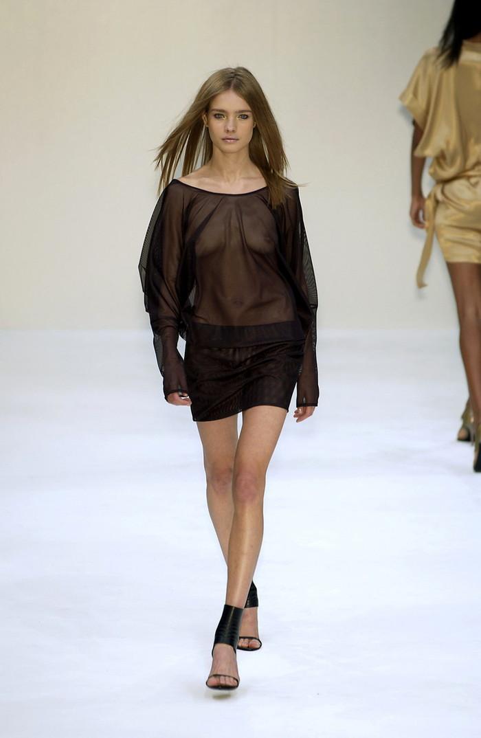 【ファッションショーエロ画像】朗報!世界のファッションショーはこんなにエロかったwww 24