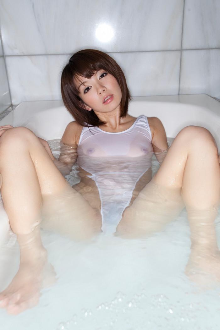 【濡れ透けエロ画像】見せすぎ注意!?濡れた着衣が透けすぎてエロいんだが!? 16