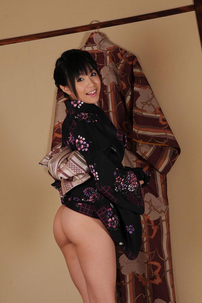 【和服エロ画像】和服姿の女の子達のエロい画像がめっちゃシコ!和服女最高! 09