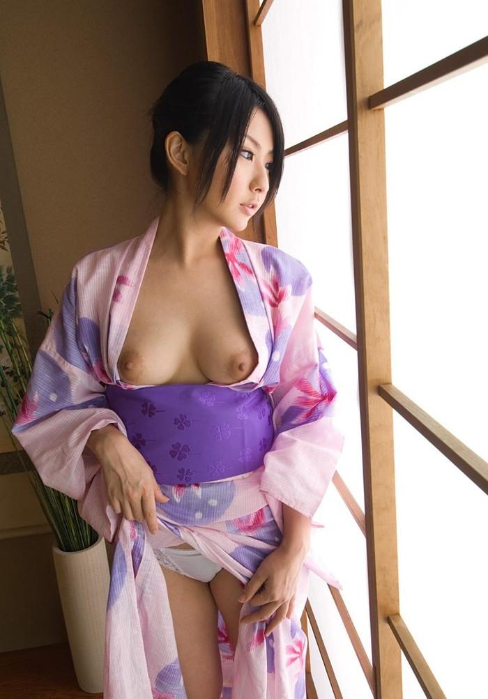 【和服エロ画像】和服姿の女の子達のエロい画像がめっちゃシコ!和服女最高! 16