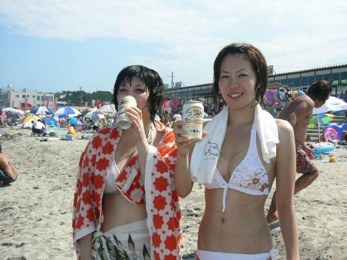【素人水着エロ画像】時期はずれに素人娘たちの水着姿ってやたらとエロい感じがしない? 26