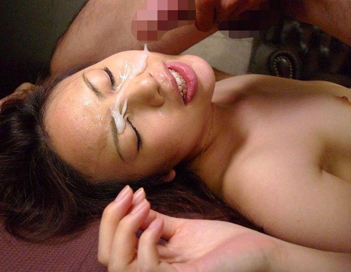 【顔射エロ画像】顔面をザーメンまみれにさたれ女、卑猥すぎて草wwwww 15