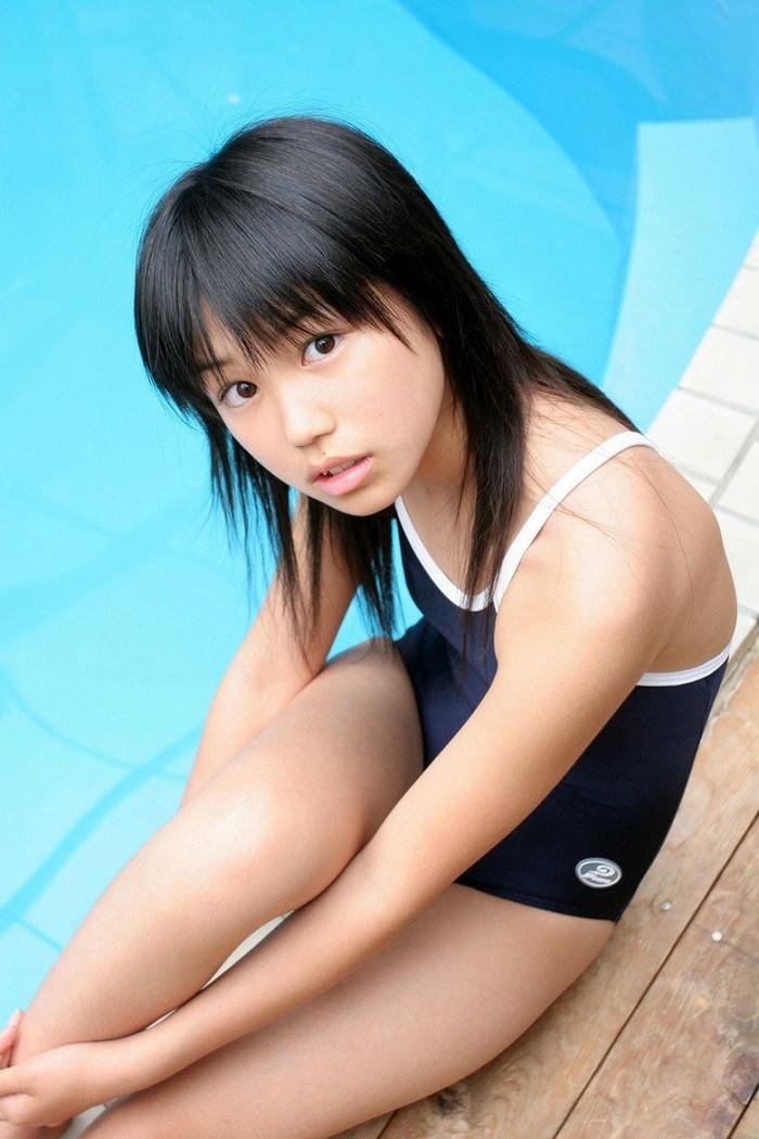 【スク水エロ画像】スクール水着を着たフレッシュな女の子たちの微エロな魅力! 24