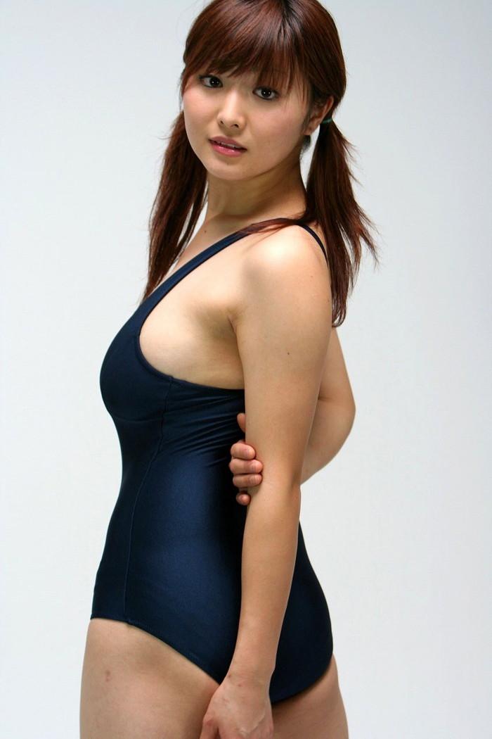 【スク水エロ画像】スクール水着を着たフレッシュな女の子たちの微エロな魅力! 26