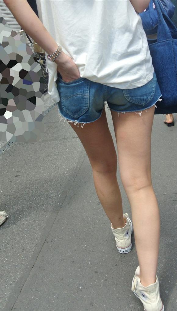 【ホットパンツエロ画像】太もも丸出しのホットパンツの素人娘の画像集めたった! 08