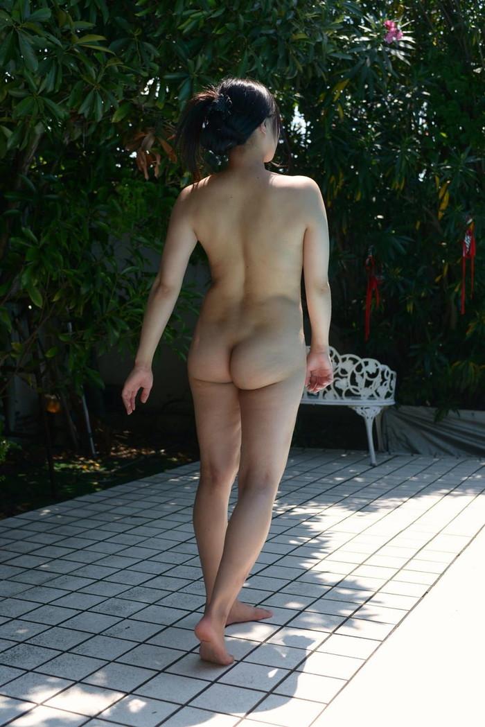 【美尻エロ画像】女の子らしい丸いお尻が最高!美尻といえる画像集めたったww 25