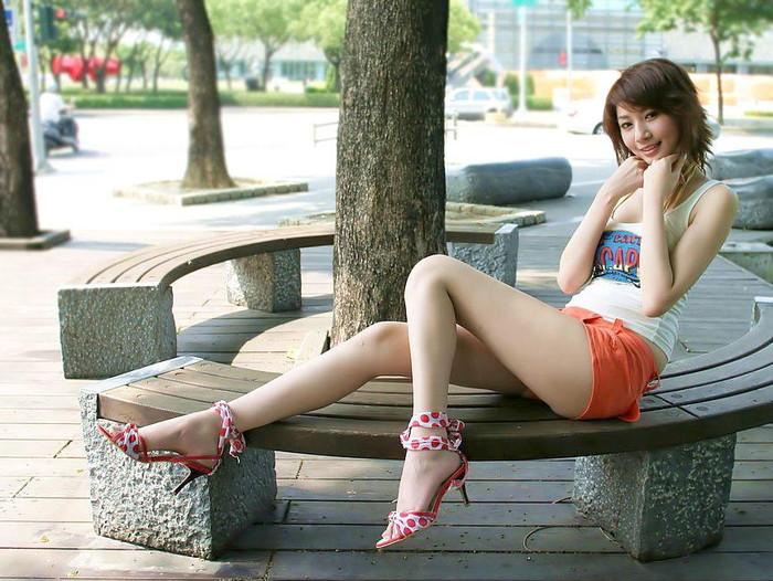 【美脚エロ画像】美脚の女の子たちのエロ画像集めてたら夢中になってもたww 10