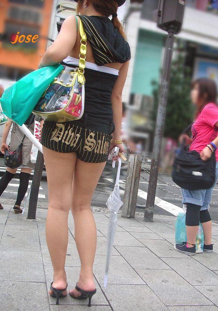 【ホットパンツエロ画像】こんな太ももムキだしの着衣なんて卑猥だwwwww 12