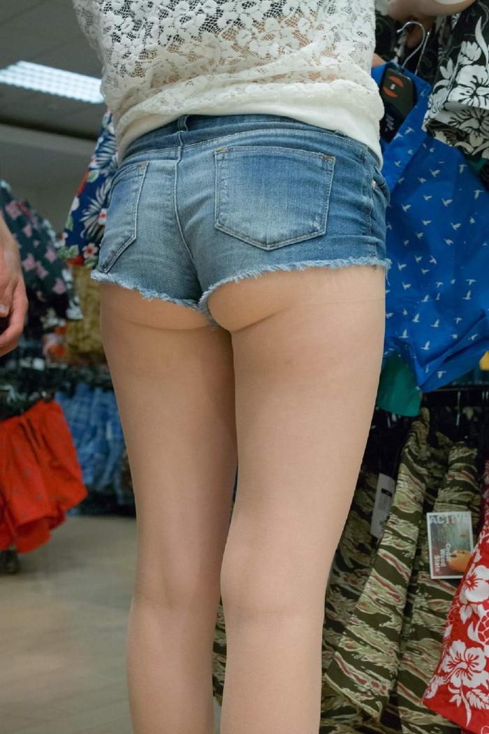 【ホットパンツエロ画像】こんな太ももムキだしの着衣なんて卑猥だwwwww 13