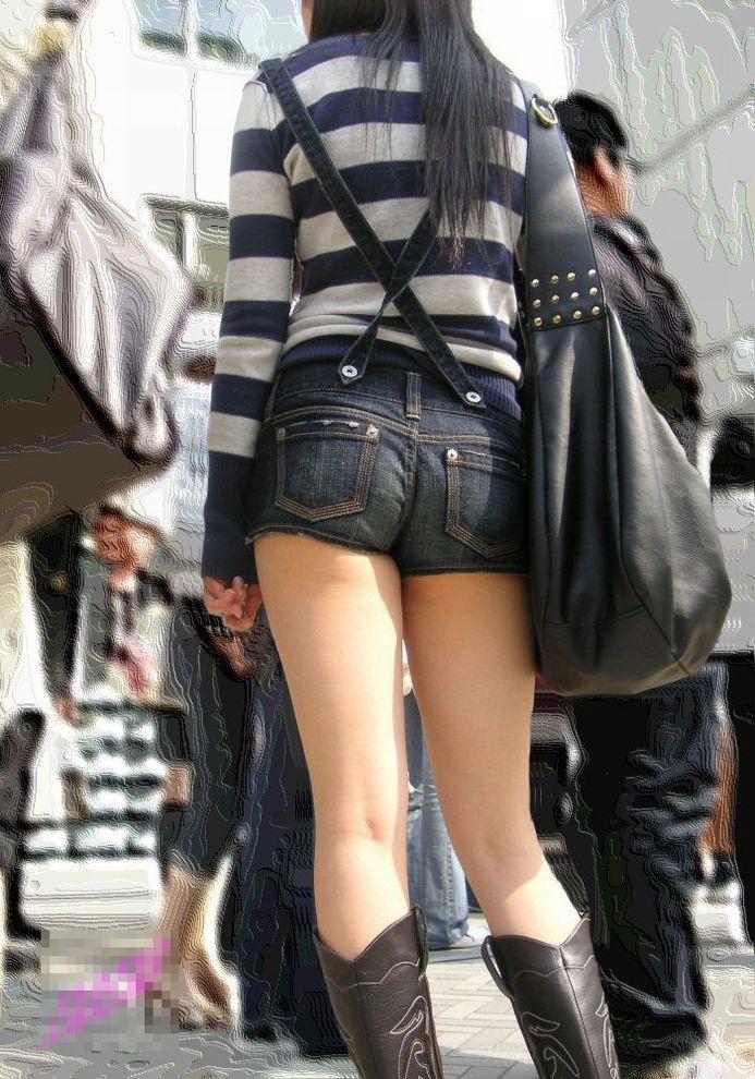 【ホットパンツエロ画像】こんな太ももムキだしの着衣なんて卑猥だwwwww 28