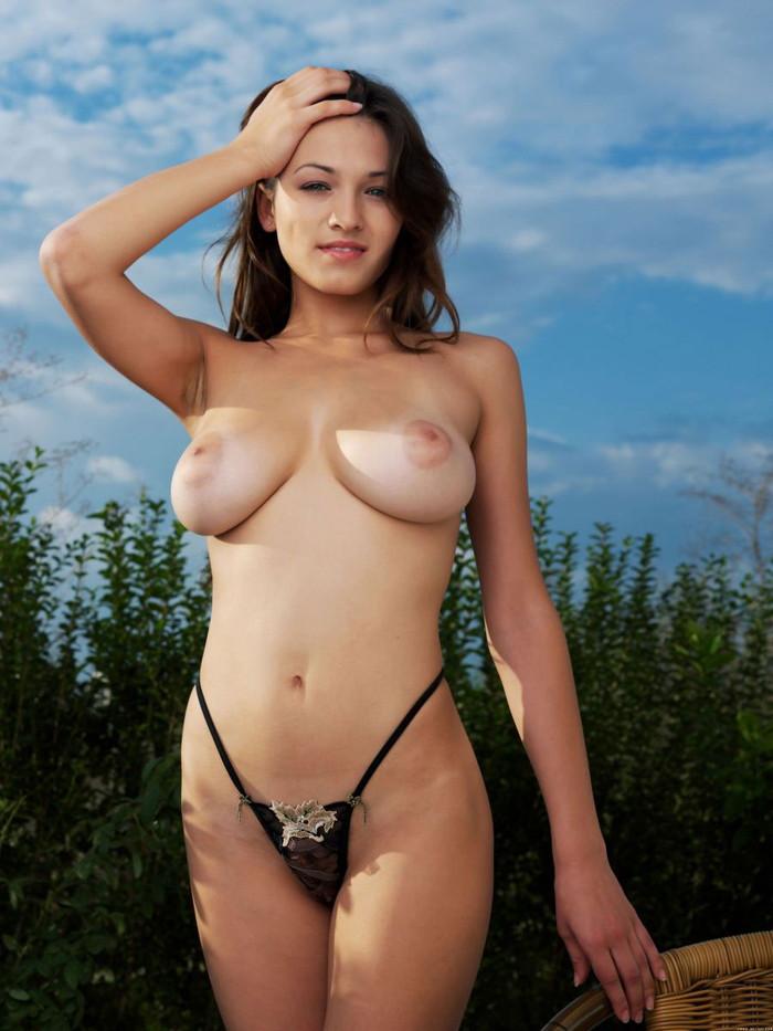 【白人美女エロ画像】外人キライなおまいら、コレ見てもキライって言えるか? 20