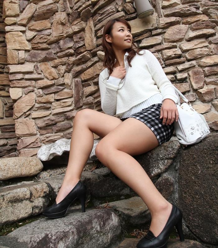 【美脚エロ画像】女の子の美しすぎる美脚!こんな足に踏まれてみたいwww 24
