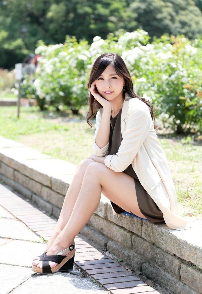 【美脚エロ画像】女の子の美しすぎる美脚!こんな足に踏まれてみたいwww 25