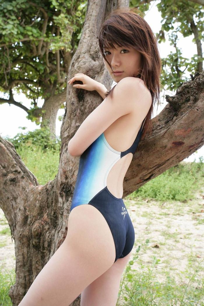【競泳水着エロ画像】着こなし方次第でここまでエロくなる競泳水着www 17