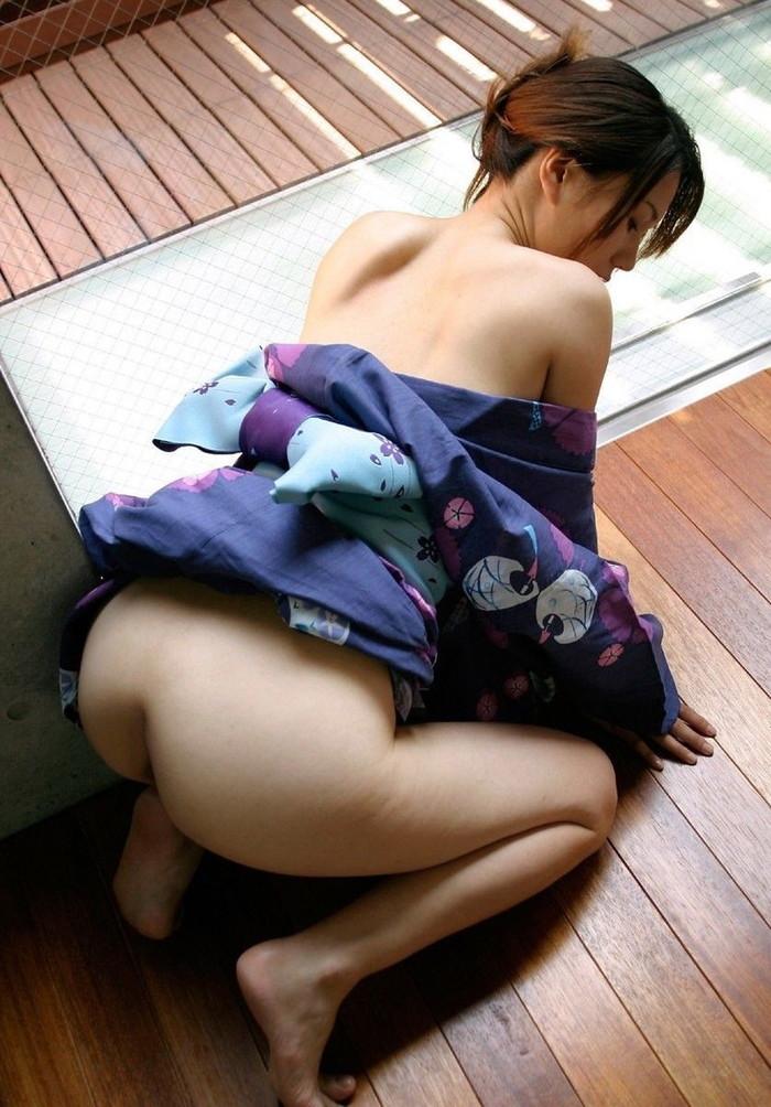 【和服エロ画像】こんな画像みて美しい!と思える時って日本人で良かったと思うw 07