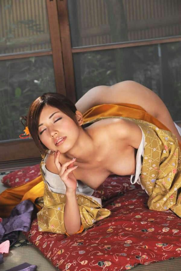 【和服エロ画像】こんな画像みて美しい!と思える時って日本人で良かったと思うw 18