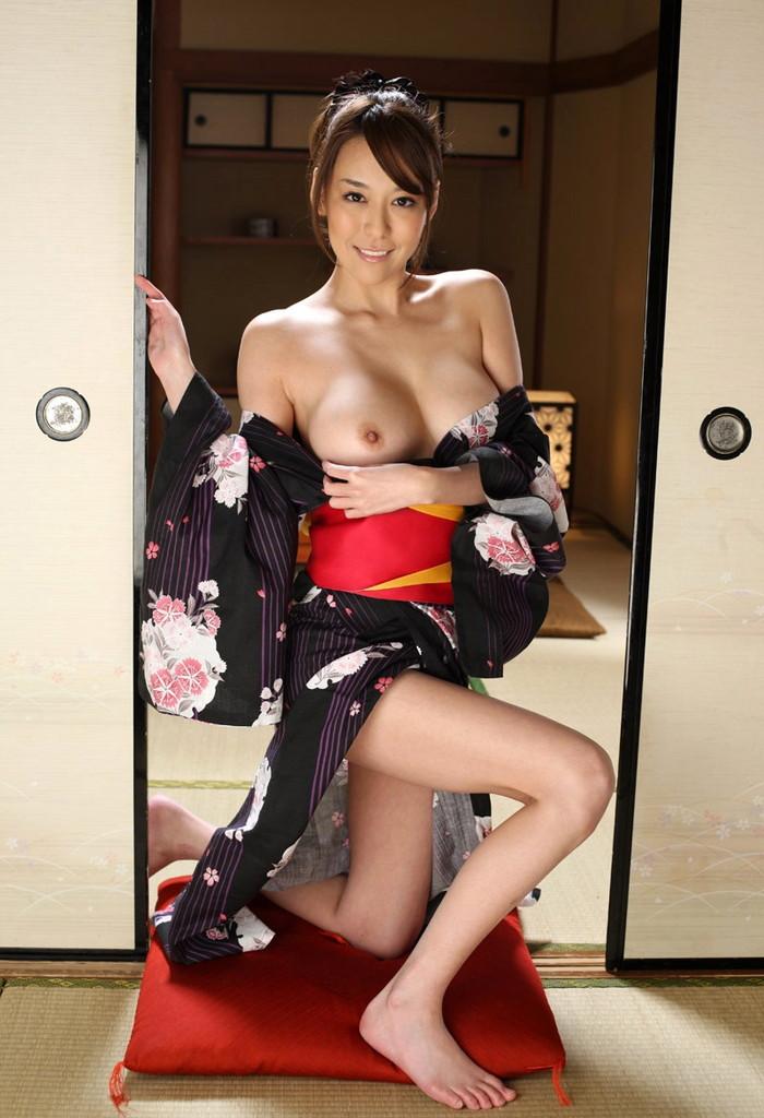 【和服エロ画像】こんな画像みて美しい!と思える時って日本人で良かったと思うw 24