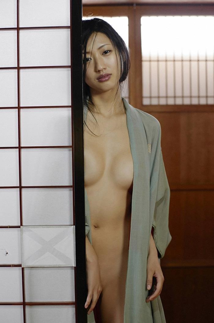 【和服エロ画像】和服姿の女の子って妙に艶っぽくてソソるんだよな! 06
