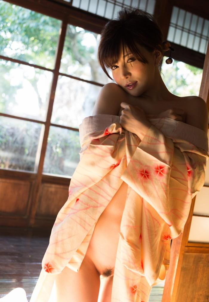 【和服エロ画像】和服姿の女の子って妙に艶っぽくてソソるんだよな! 25